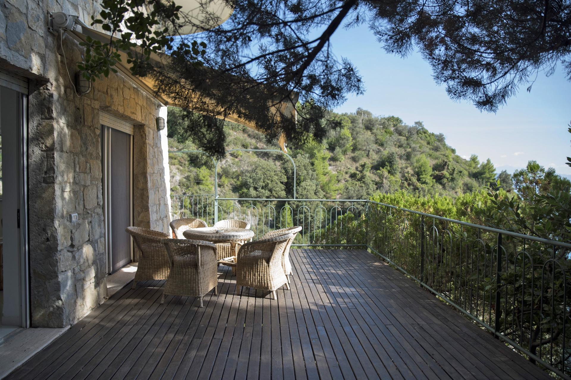 Villa lemon beach erchie costiera amalfitana discesa for Piani di casa di 1300 piedi quadrati 2 piani